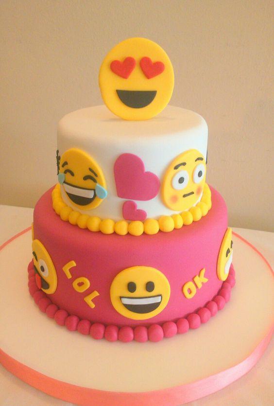 pastel de nina para fiesta emoji