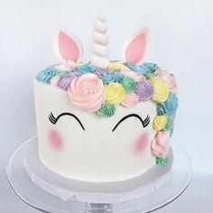 pastel sencillo de unicornio (2)