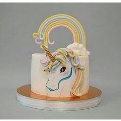 pastel sencillo de unicornio (3)