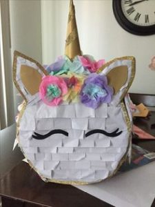 pinata para fiesta de unicornios