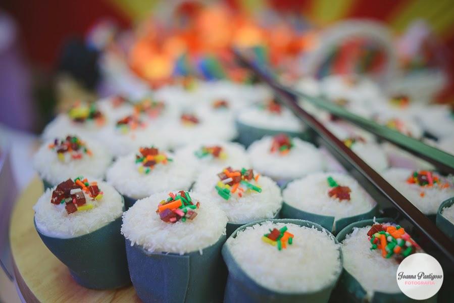 postres y bocadillos para una mesa de dulces para fiesta de goku (10)