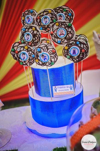postres y bocadillos para una mesa de dulces para fiesta de goku (11)