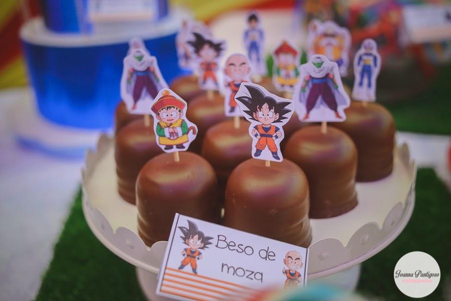 postres y bocadillos para una mesa de dulces para fiesta de goku (12)