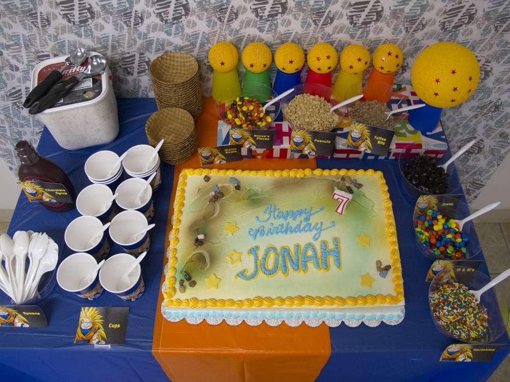postres y bocadillos para una mesa de dulces para fiesta de goku (8)