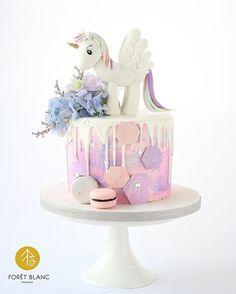 tarta de cumpleanos de fondant tema unicornio
