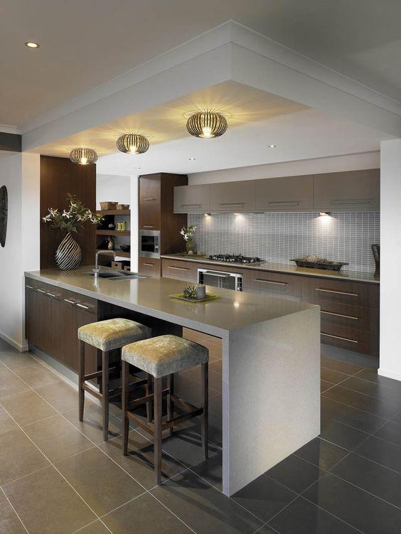 Cocinas modernas 2019 con barra islas r stica minimalistas forma de l - Iluminacion en cocinas modernas ...