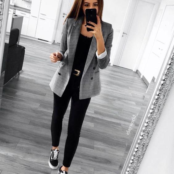 3cb6264be Como vestir para la oficina si tienes 40 años o más