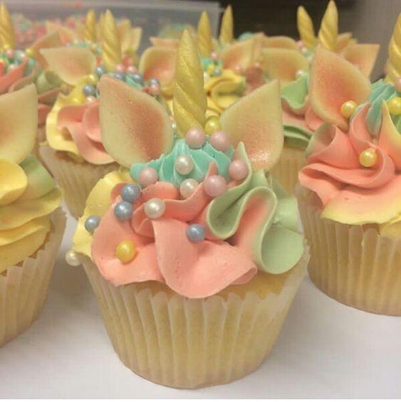 cupcakes para fiesta de unicornios