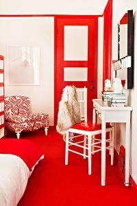 Habitaciones decoradas con color Cherry Tomato
