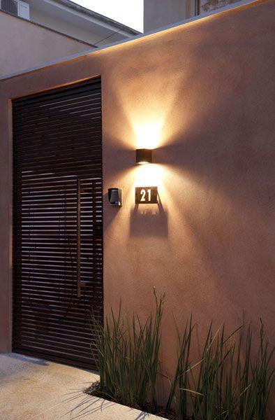 Iluminación en fachadas modernas