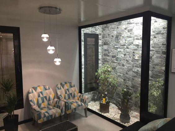 Jardines interiores modernos como organizar la casa for Interiores apartamentos modernos