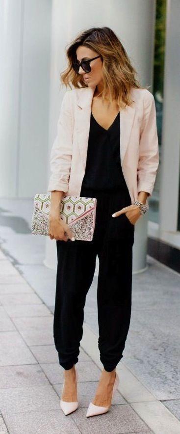 Vestimenta para oficina mujer moderna