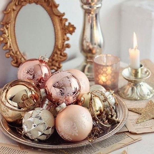 arreglo navideno color rosa para comedor 2018 3