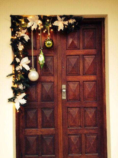 arreglo navideno en puerta 2018