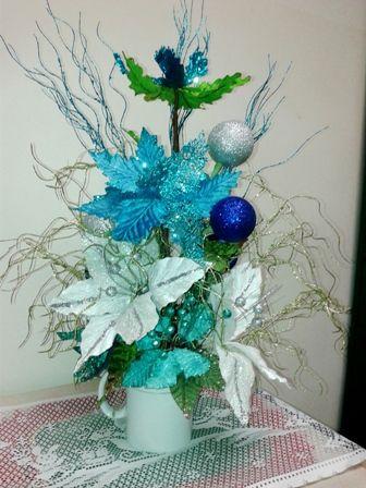arreglo navideno en salones color azul celeste 2018