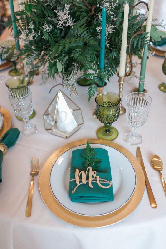 arreglo navideno en salones color verde esmeralda 2018