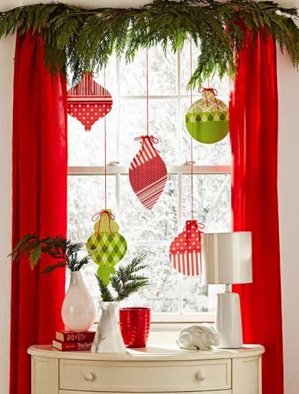 Arreglo navideno en ventana 2019 4 for Decoraciones faciles navidad para casas