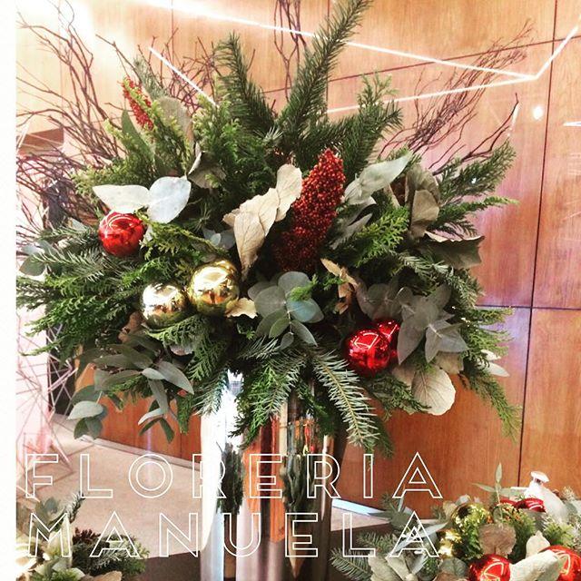 Arreglo navideno rojo y verde para comedor 2018 3 decoracion de interiores fachadas para casas - Arreglos navidenos para la casa ...