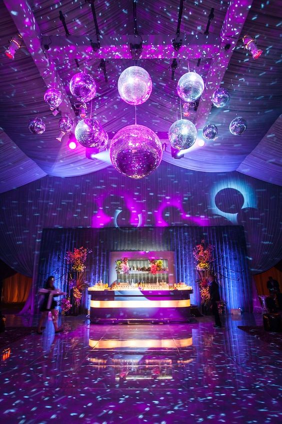 colores de moda para decorar fiestas ultra vioelt (5)