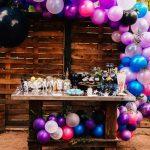 Colores de moda para decorar fiestas Ultra vioelt