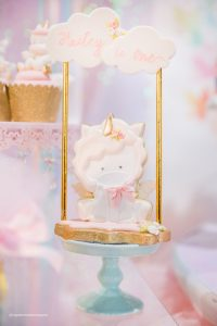 como decorar fiesta unicornio primer ano de nina (2)