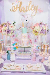 como decorar fiesta unicornio primer ano de nina (3)
