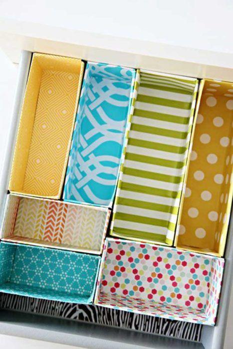 como hacer un organizador de ropa interior de carton (3)
