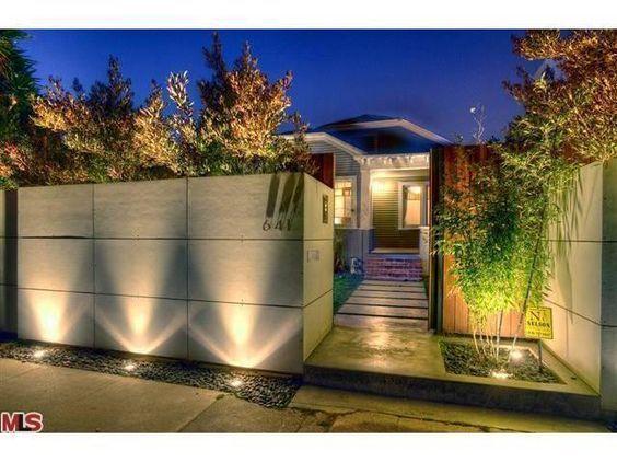 Bardas modernas 100 ideas para a adir una barda a tu hogar for Fachadas de casas con azulejo