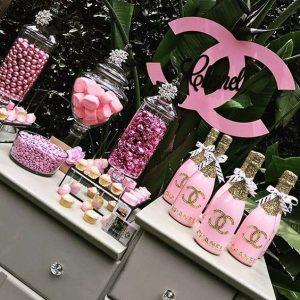 fiesta chanel rosa para celebrar 25 anos