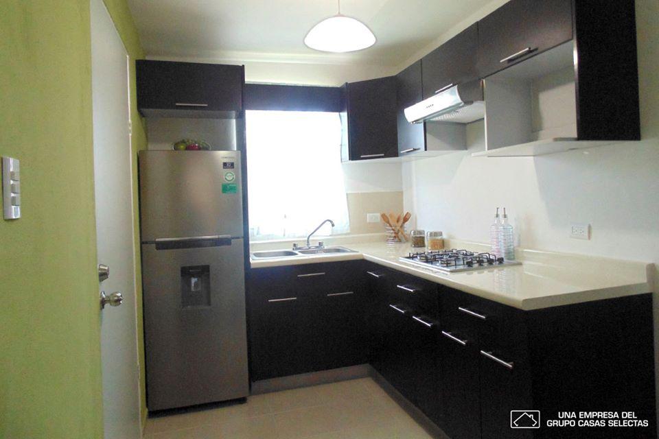 Amueblar cocina elegant gran como amueblar la cocina una for Amueblar cocina alargada