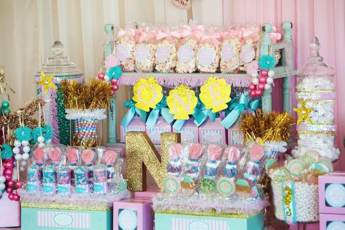 ideas para mesa de dulces para fiesta de nina un ano 2