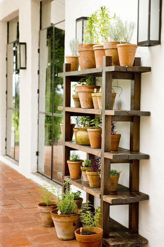 Repisas para jardin las mejores maneras para decorar tu for Repisa escalera