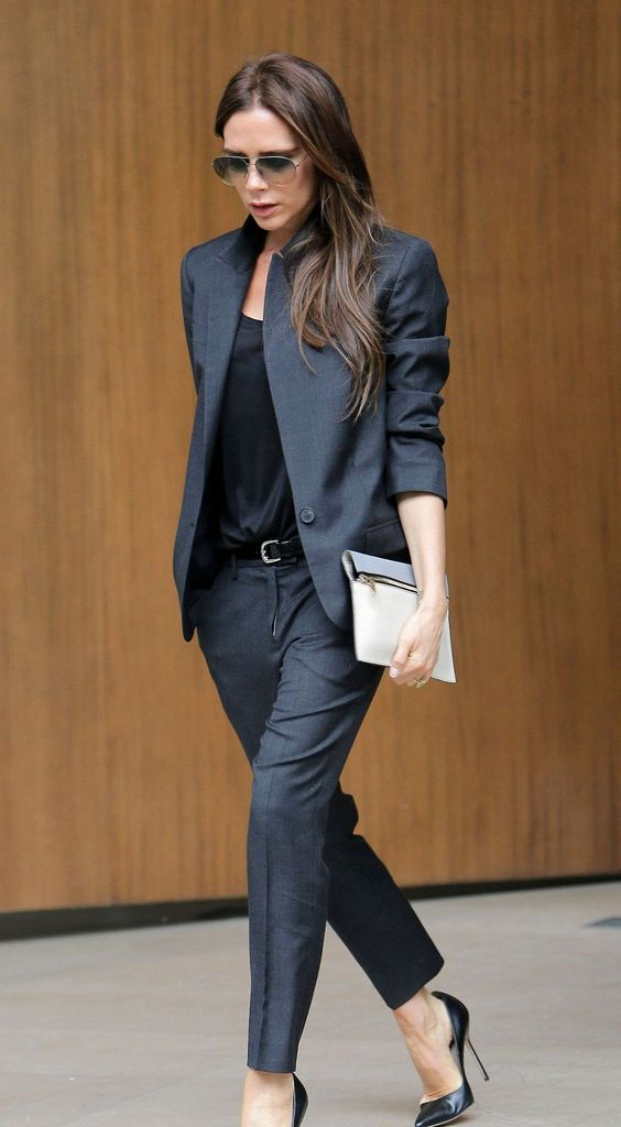 outfit para el trabajo con tacones altos