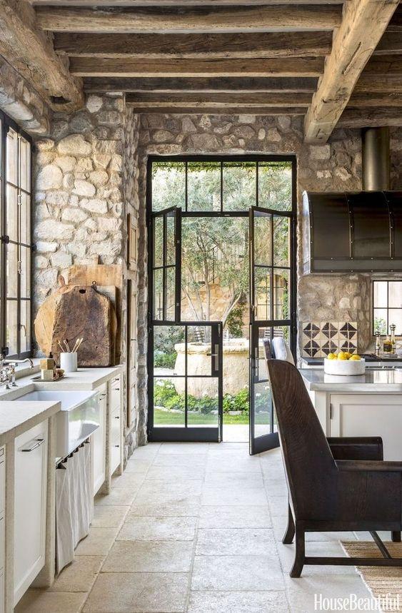 Acabados para paredes exteriores e interiores tendencias for Piedra para muros interiores