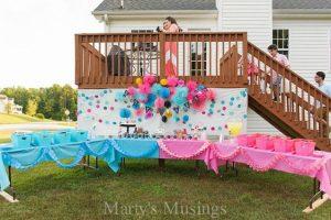 Decoración de fiesta para saber si es niño o niña.jpg2
