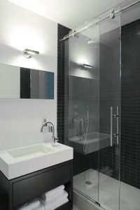 Diseños de walk-in shower para baños pequeños2