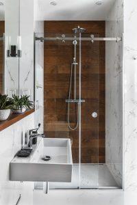 Diseños de walk-in shower para baños pequeños3