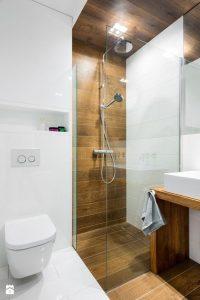 Diseños de walk-in shower para baños pequeños4