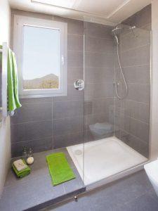 Diseños para baños pequeños con cristal2