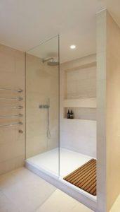 Diseños para baños pequeños con cristal3