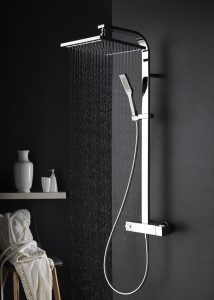 Diseños para baños pequeños estilos de regaderas7