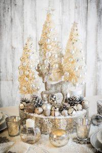 adornos de navidad blanco y dorado