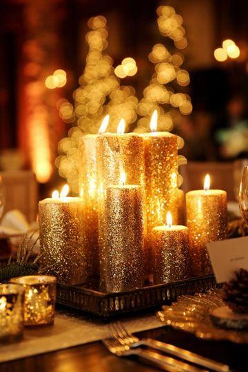 adornos navideños color dorado