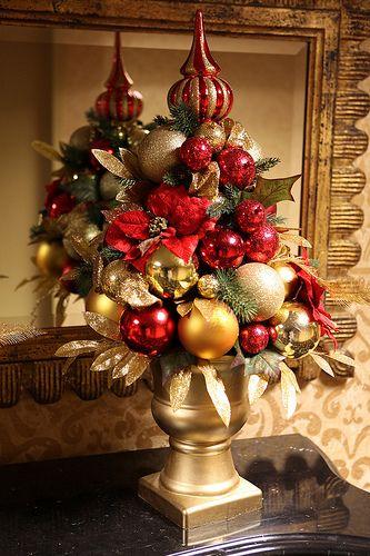 adornos navideños color rojo