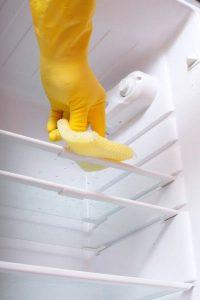 como limpiar el cristal del refrigerador