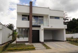 fachadas modernas con balcon