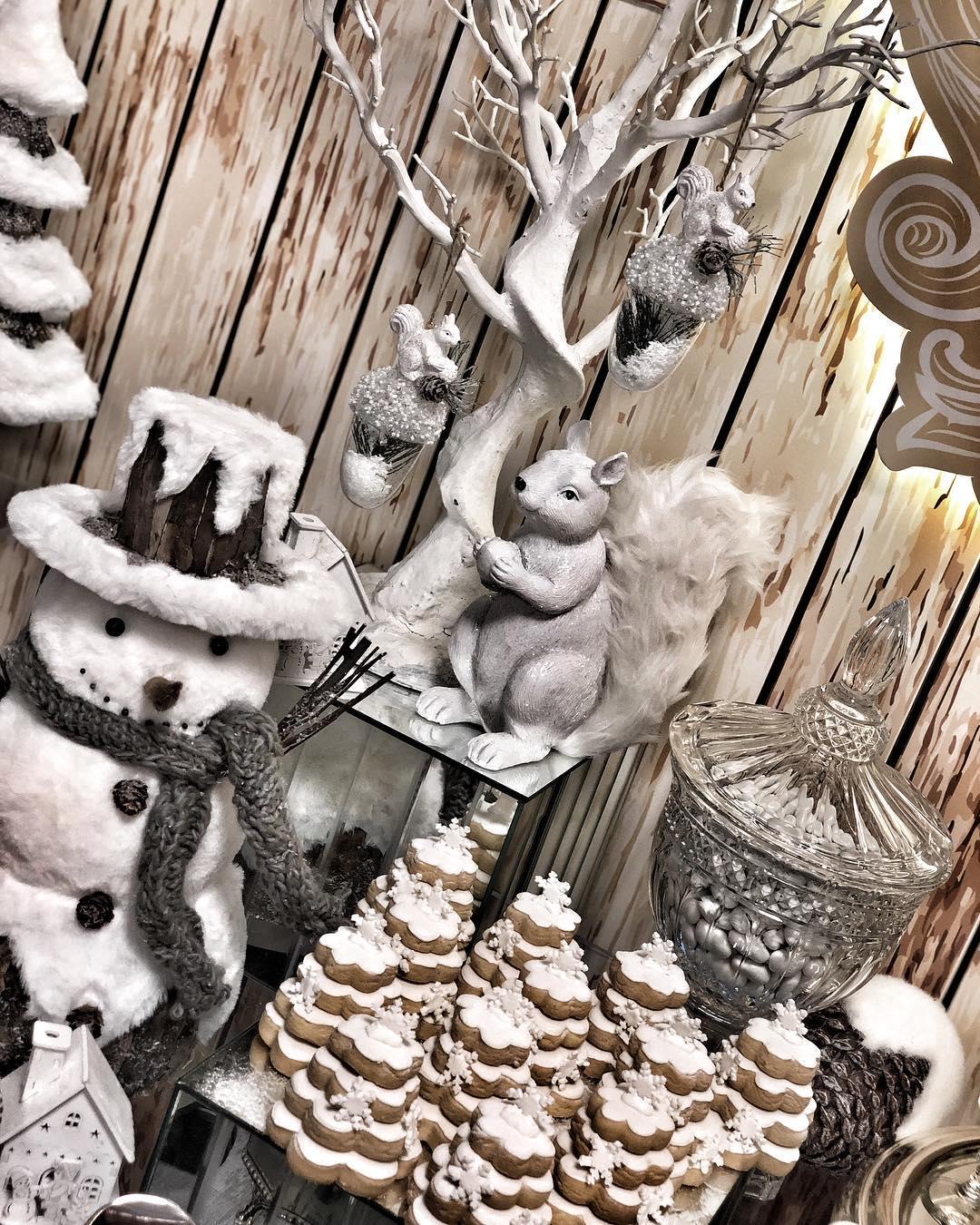 mesa de postres navideñas
