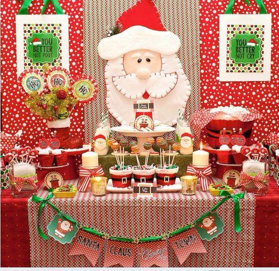 Mesa de postres para fiesta de navidad