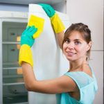trucos para limpiar puerta de refrigerador blanco
