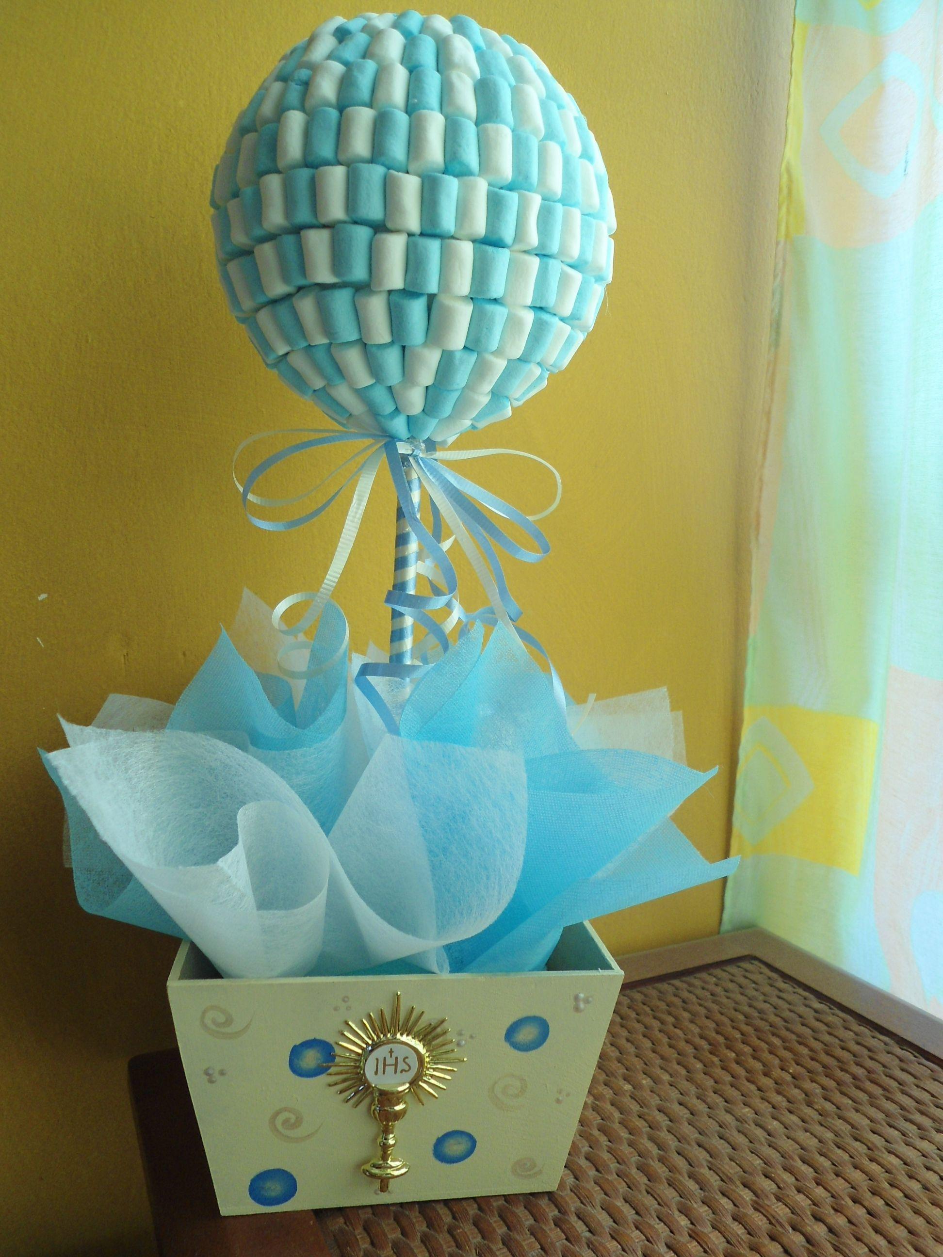 Centros de mesa de bombones para baby shower de niño